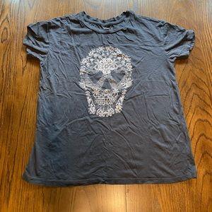 3/$20 Fifth Sun juniors flower skull shirt medium